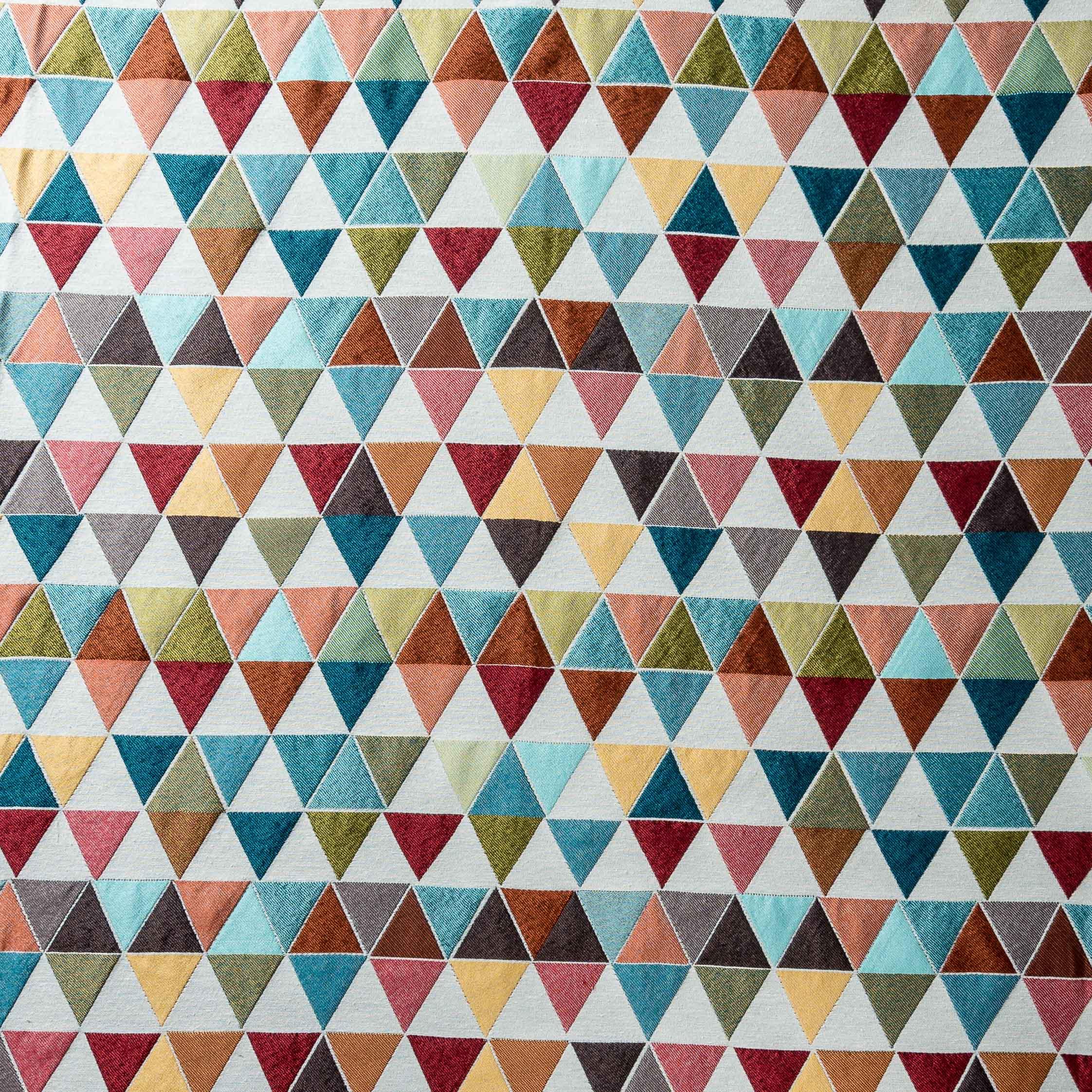 colored triangle tablecloth