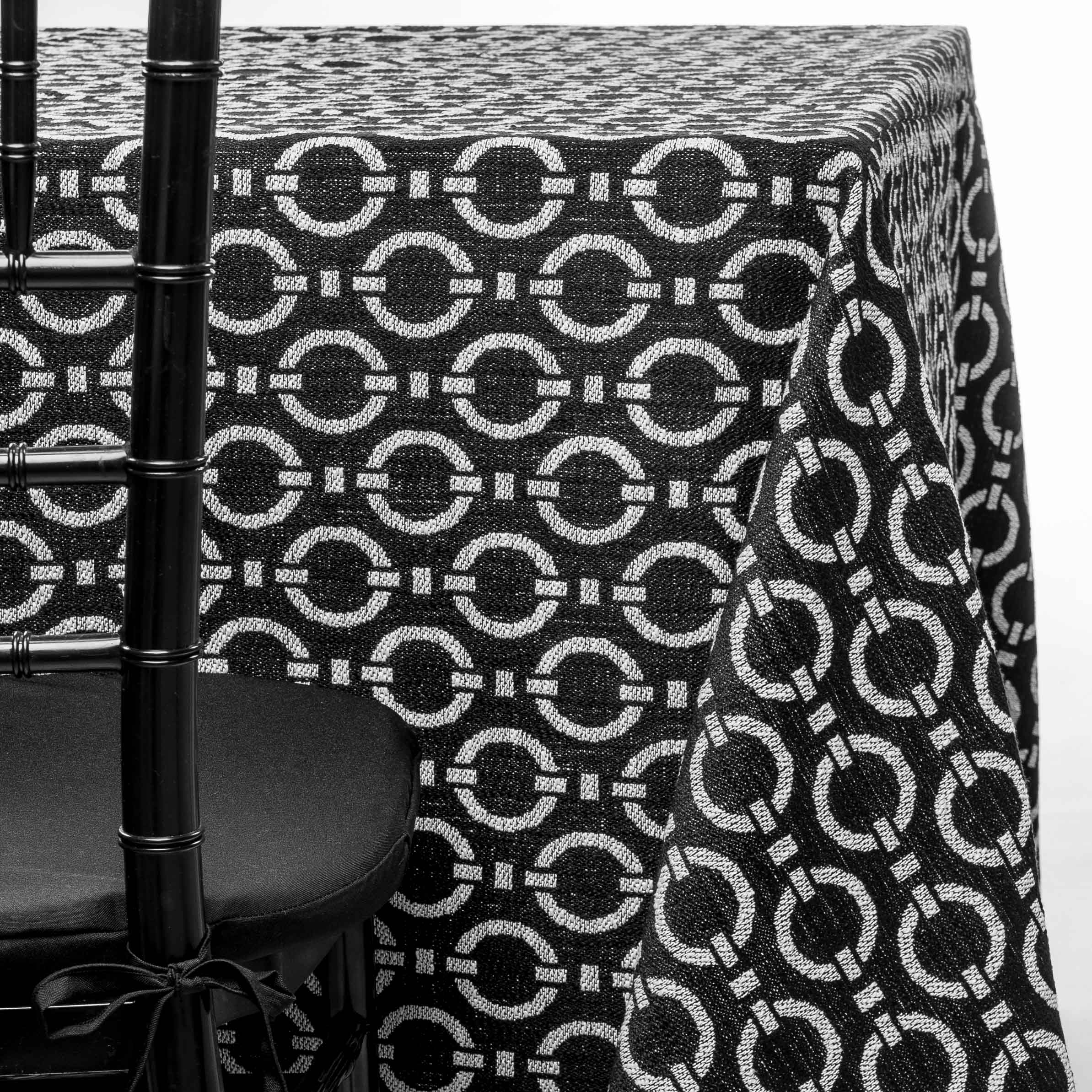 black and white links tablecloth rentals in New Jersey. For weddings or parties. Tablecloth and napkin rentals by Chaya Sara Thau